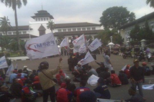 Buruh SPSI Jabar tiadakan aksi Hari Buruh Internasional 2020