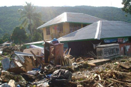 Bupati Wondama minta warga waspadai banjir bandang