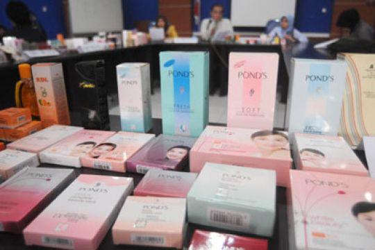 Hati-hati, 10,46 Persen Kosmetik Berpewarna Dilarang
