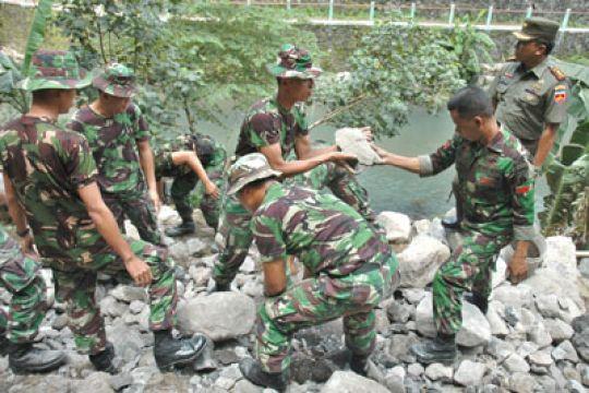 150 prajurit TNI akan bangun 20 rumah warga Biak
