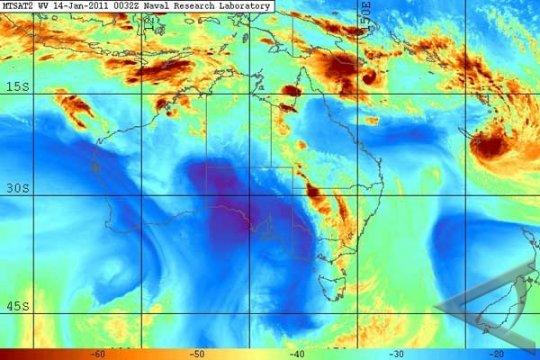 Badai Siklon Tropis Vince Landa NTT