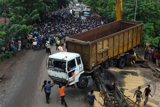 Cari solusi, belasan titik rawan kemacetan di Tangerang diteliti