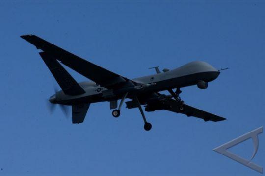 """Iran sukses uji terbang """"drone"""" tiruan AS"""
