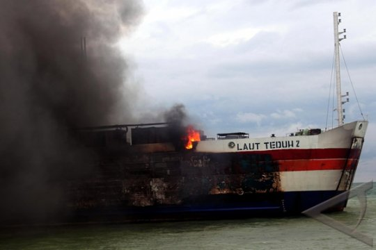 "Kebakaran kapal Gerbang Samudra I bersumber dari ""car deck"""