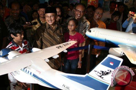 BJ Habibie Wafat, Kominfo: Bapak Teknologi Indonesia