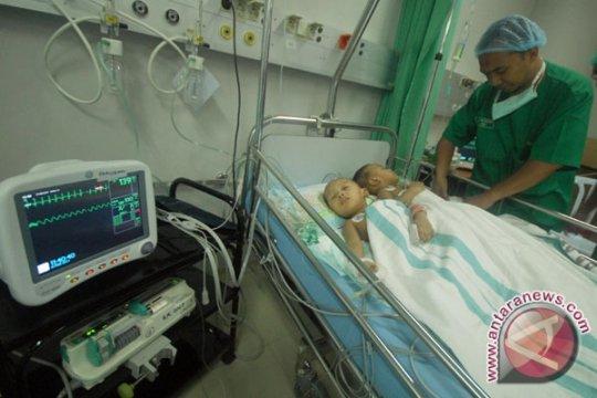 Kembar Siam Rochman-Rochim Keluar ICU