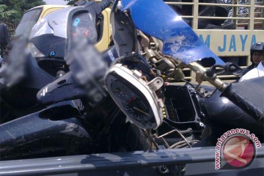 Dua tewas setelah dua sepeda motor bertabrakan