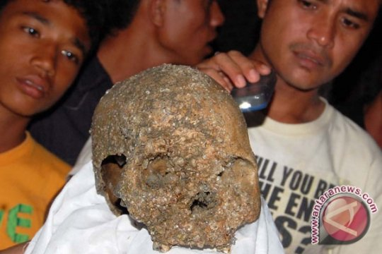 Kerangka manusia korban tsunami ditemukan lagi