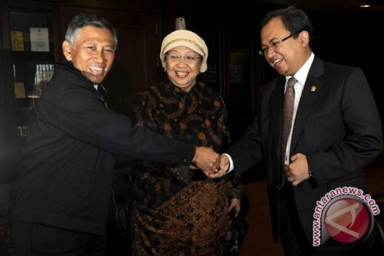 Lily dan Effendy Gugat DPP PKB