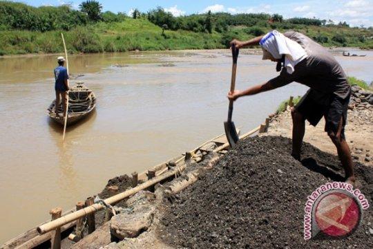 Pendangkalan terjadi di empat sungai Kabupaten Tangerang