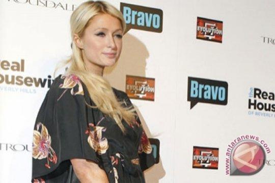 """""""Kelakuan"""" Jaksa Sama Saja dengan Terdakwa Paris Hilton"""