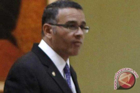 Nikaragua beri kewarganegaraan untuk mantan presiden Salvador