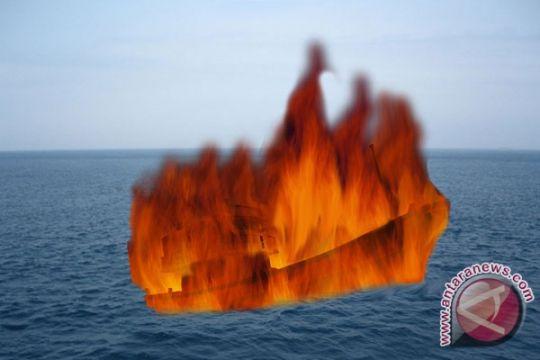 Mesin KMP Renny II terbakar di Selat Bali
