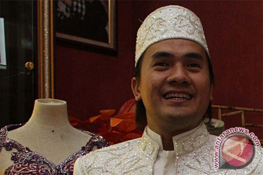 "Virginia ""Egi"" Anggraeni, istri Saiful Jamil, meninggal dalam kecelakaan tol Cipularang"