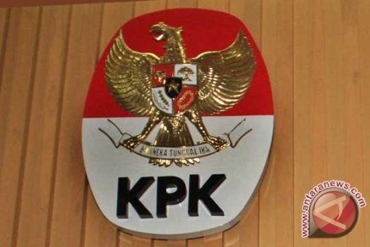 KPK datangi rumah Mukhayat di Surabaya