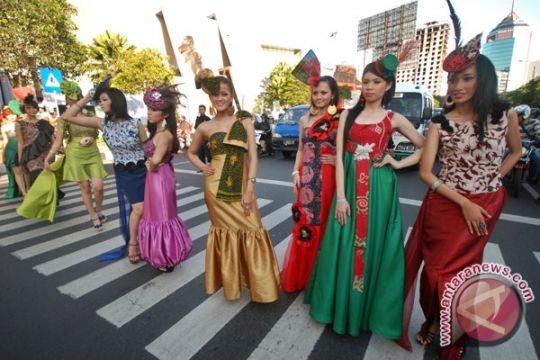"""Solo Batik Carnival"" Sedot Puluhan Ribu Pengunjung"