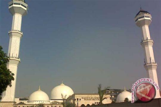 Masjid Raya Bandung gelar pelayanan cek lambung gratis
