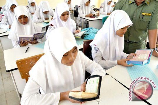Sudah ada BOS, madrasah negeri dilarang pungut biaya pendaftaran