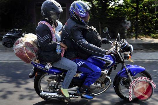 Pemudik roda dua lintasi Pantura Jawa