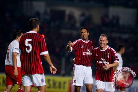 Legenda  Milan pecundangi Indonesia All Star 5-1