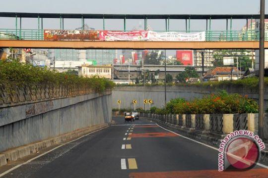 Polisi selidiki perusakan mobil oleh ojek online di underpass Senen