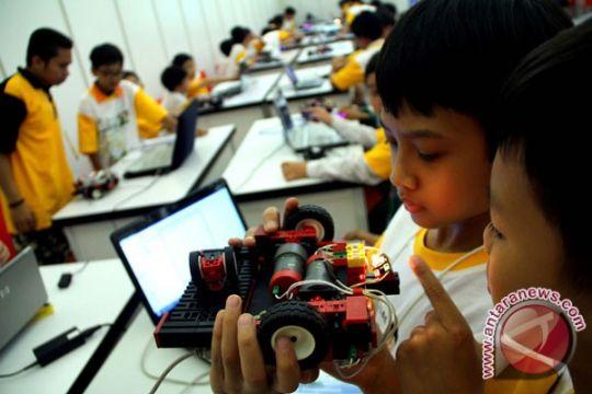 Kompetisi pacu perkembangan robotika Indonesia