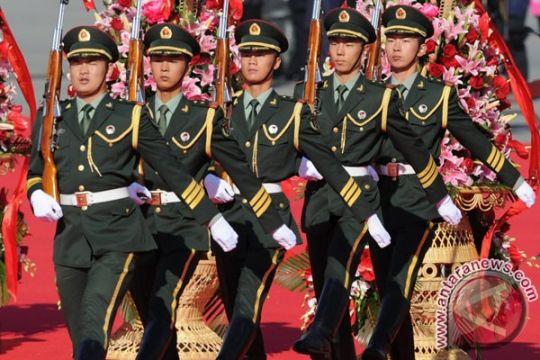 Gara-gara polisi lempar bayi, pejabat China dipecat