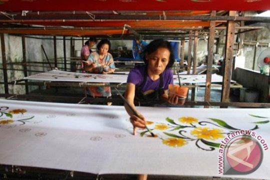 Pameran batik catat transaksi Rp17 miliar