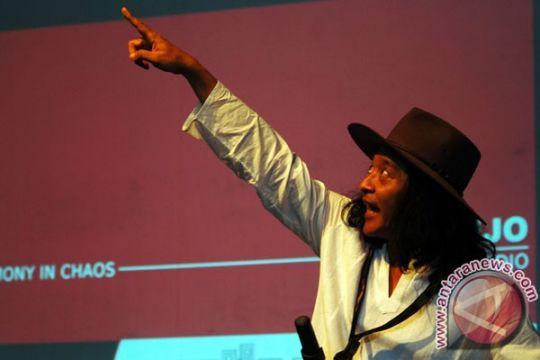 Roman Rahwana-Sinta dalam konser musik Sujiwo Tejo