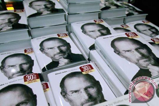 Surat lamaran pekerjaan Steve Jobs akan dilelang - ANTARA News ... ANTARA News Ambon, Maluku - Antaranews.com Proses pembuatan film biografi Steve Jobs diwarnai drama