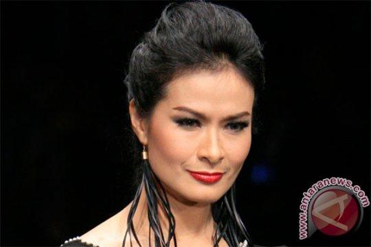 Iis Dahlia: 'welcome back' Mayangsari