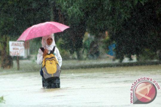 Banjir bandang landa Padang Pariaman
