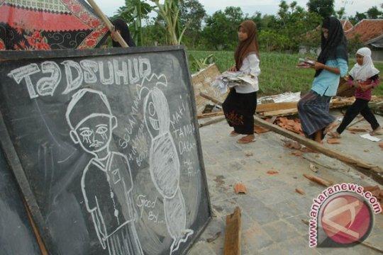 Korban madrasah roboh terdata 15 orang