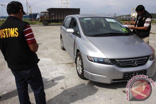 Mobil mewah eks Singapura untuk DPRD Aceh tiba