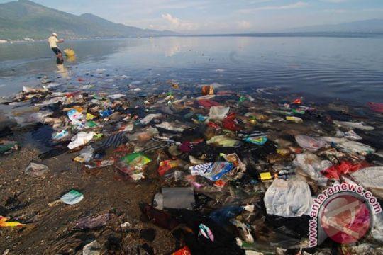 Pangdam Pattimura ingatkan jaga lingkungan laut dari sampah buangan