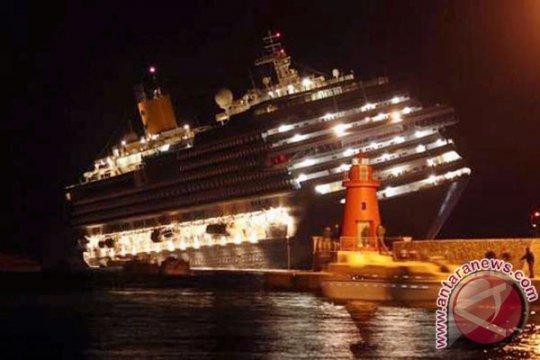 Italia terkejut dengan kecelakaan kapal pesiar, lima korban jiwa