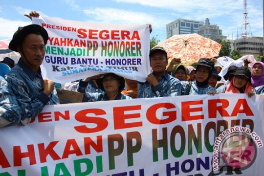 Guru honorer kepung Istana, sejumlah ruas jalan Jakarta ditutup