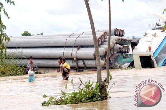 Banjir di lebak tewaskan dua pelajar