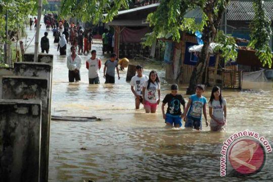 Pintu air Tangerang siaga luapan Sungai Cisadane