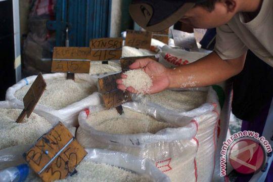 Heboh beras plastik membuat warga beralih ke beras lokal