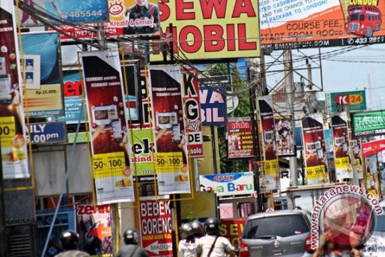 Reklame tak beraturan, Satpol PP Yogyakarta ambil tindakan