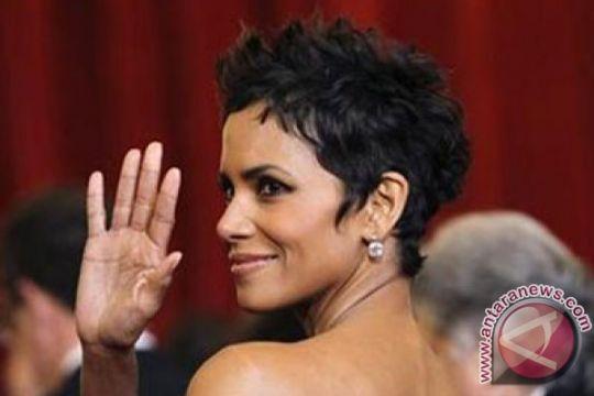 Halle Berry bercerai untuk ketiga kalinya