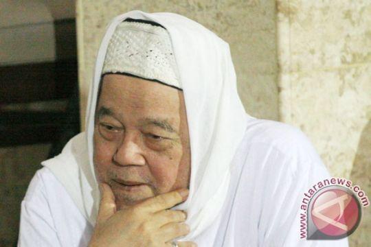 Pengasuh Pondok Pesantren Lirboyo tutup usia