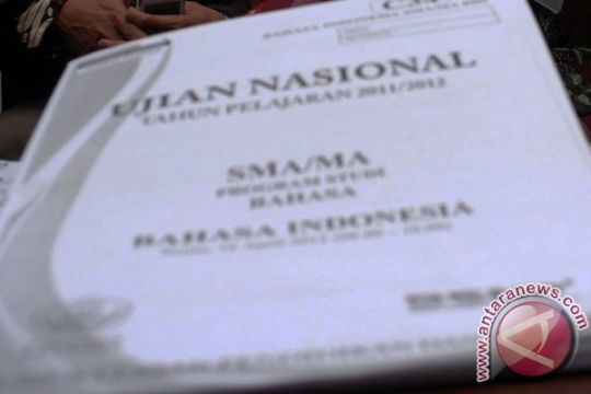 Naskah UN Bahasa Indonesia tertukar Bahasa Inggris