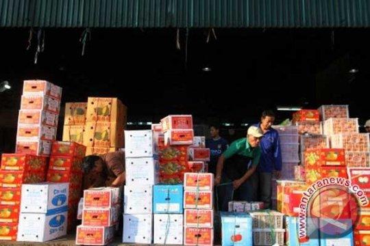 Pakar: larangan impor buah tidak cukup