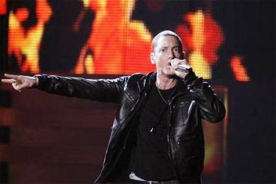 Album baru Eminem terjual hampir 800.000 copy