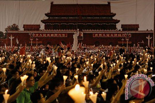 Warga Hong Kong nyalakan lilin  peringati tragedi Tiananmen