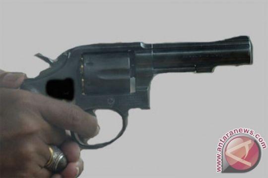 Polisi Nganjuk bunuh diri tembak dada