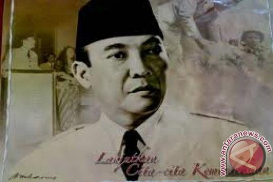 Warga Kediri berupacara di rumah Soekarno