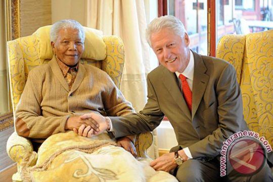 Nelson Mandela habiskan Natal di rumah sakit